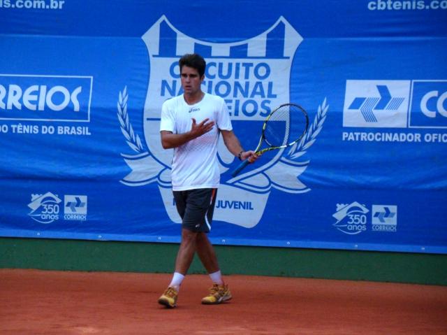 Thiago Alves treinou na quadra 1 do Circuito Correios. Foto: Rubens Lisboa/CBT