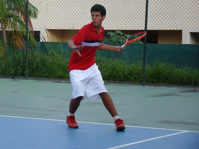 Luiz Segundo avançou para a final de 16 anos em Manaus. Crédito: Rubens Lisboa/CBT