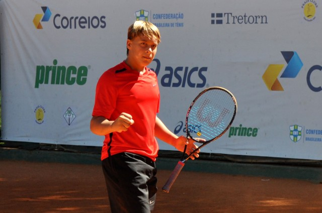 Gilbert Klier Junior (DF) - finalista da categoria 14 anos Crédito: Divulgação/CBT
